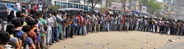 queue-cricket.jpg